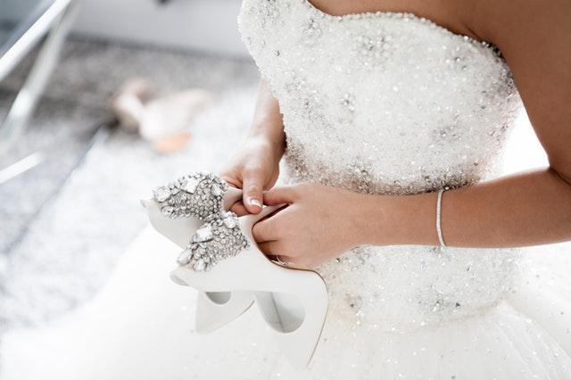 Hur man väljer en perfekt bröllopsklänning