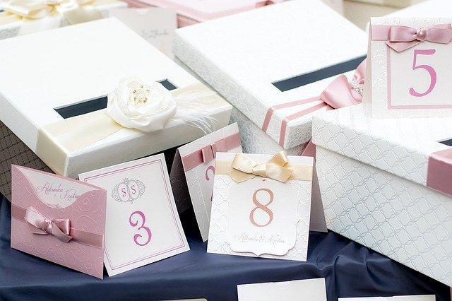 Hur undviker man svårigheter när man planerar ett bröllop?