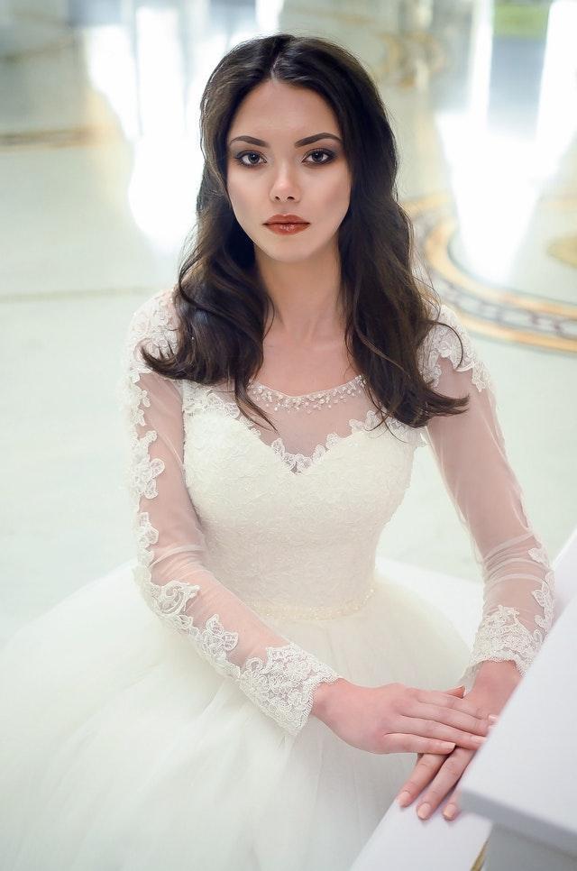 Välj sminkning till ditt bröllop